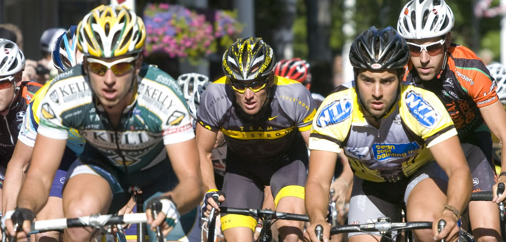 Lance Armstrong and other cyclists